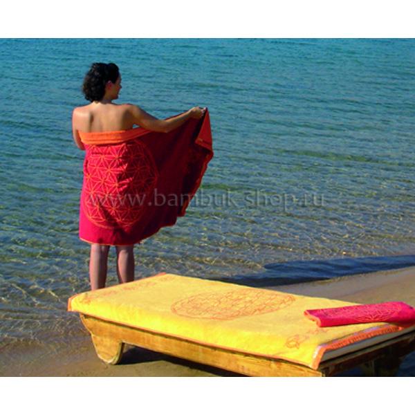 """Полотенце махровое """"Цветок Жизни"""" с драгоценными камнями красное"""